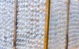 Как построить теплицу своими руками из подручных материалов (пластиковых бутылок, поддонов и т.д.) — пошаговая инструкция с фото, видео и чертежами